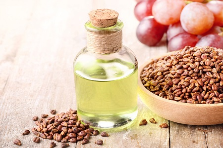 فایده روغن هسته انگور برای سلامت پوست و مو,فواید روغن هسته انگور برای پوست, روغن هسته انگور برای چاقی صورت, مضرات روغن هسته انگور ,مزایا و فواید روغن هسته انگور برای پوست و مو,روغن انگور,روغن هسته انگور,فایده روغن هسته انگور,هسته انگور,خواص انگور,seed oil cosmetic benefits,